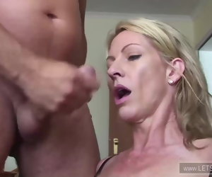 34:39 , Blonde notgeile MILF in absoluter Ficklaune