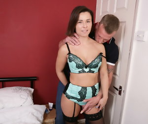 6:15 , UK mom Jamie Ray gets inexact sex from strong young gentleman
