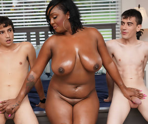 6:22 , Ebony Mom Having Joke With Stepson and His Friend