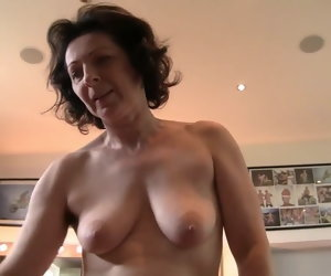 8:00 , mature woman burns your boss's dick first and then they fuck