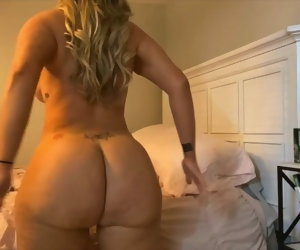 4:18 , Blonde Milf Pawg Freebooting and Twerking