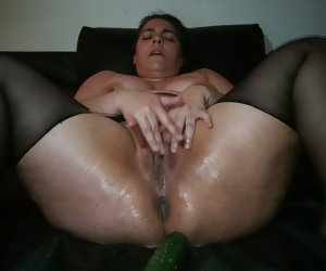 11:27 , Jctugass Pussy squirting (Courgette) part2