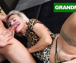 10:17 , Sluttiest Granny Drive for Creampie