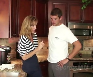 14:45 , Awesome MILF Successfully Seduces Younger Man