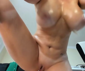 11:42 , Big tits mature fingers her bald pussy and squirts
