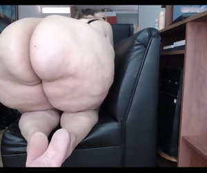 8:33 , Mega Butt Milf On Webcam