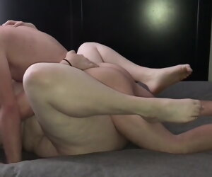 2:00 , bbw hot kissing and fucking