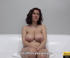 30:33 , Czech Milf Carolina Casting