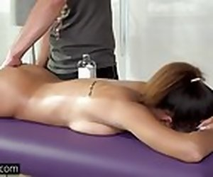 12:01 , Teen Mom Raven Redmond gets Massage close by happy ending