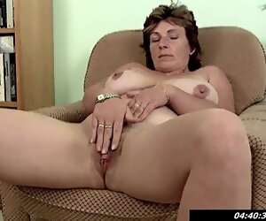 31:10 , 42 yo Prexy Mom Miroslava Fingering At Quarters