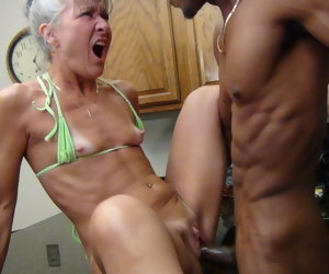 22:41 , Camel Toe Kitchen - Milf Gets Facial