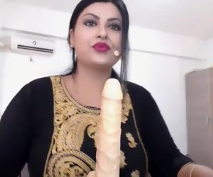 18:37 , Usha Bhabhi Indian Intercourse Machine