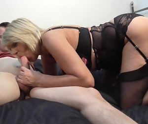 6:15 , Mature British mom lick suck together with fuck nipper