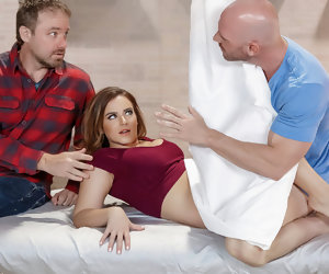 8:00 , Natasha Unerring & Johnny Sins in Private Treatment - BrazzersNetwork