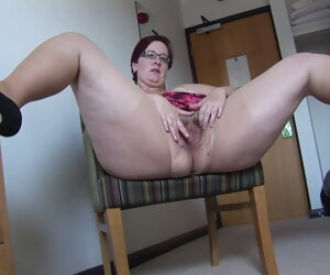 3:03 , Busy Mature BBW in mini skirt rips her pantyhose and spreads