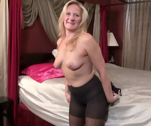 6:16 , American milf Mary Wana pleasures her craving cunt