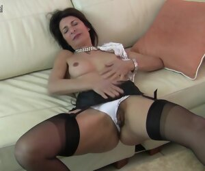 3:51 , Hairy British Housewife Playing With Her Pussy - MatureNL