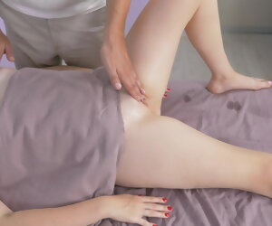 12:26 , MASSAGEROOMS. Busty chick crumbs nigh pulling their way pussy. Masseur